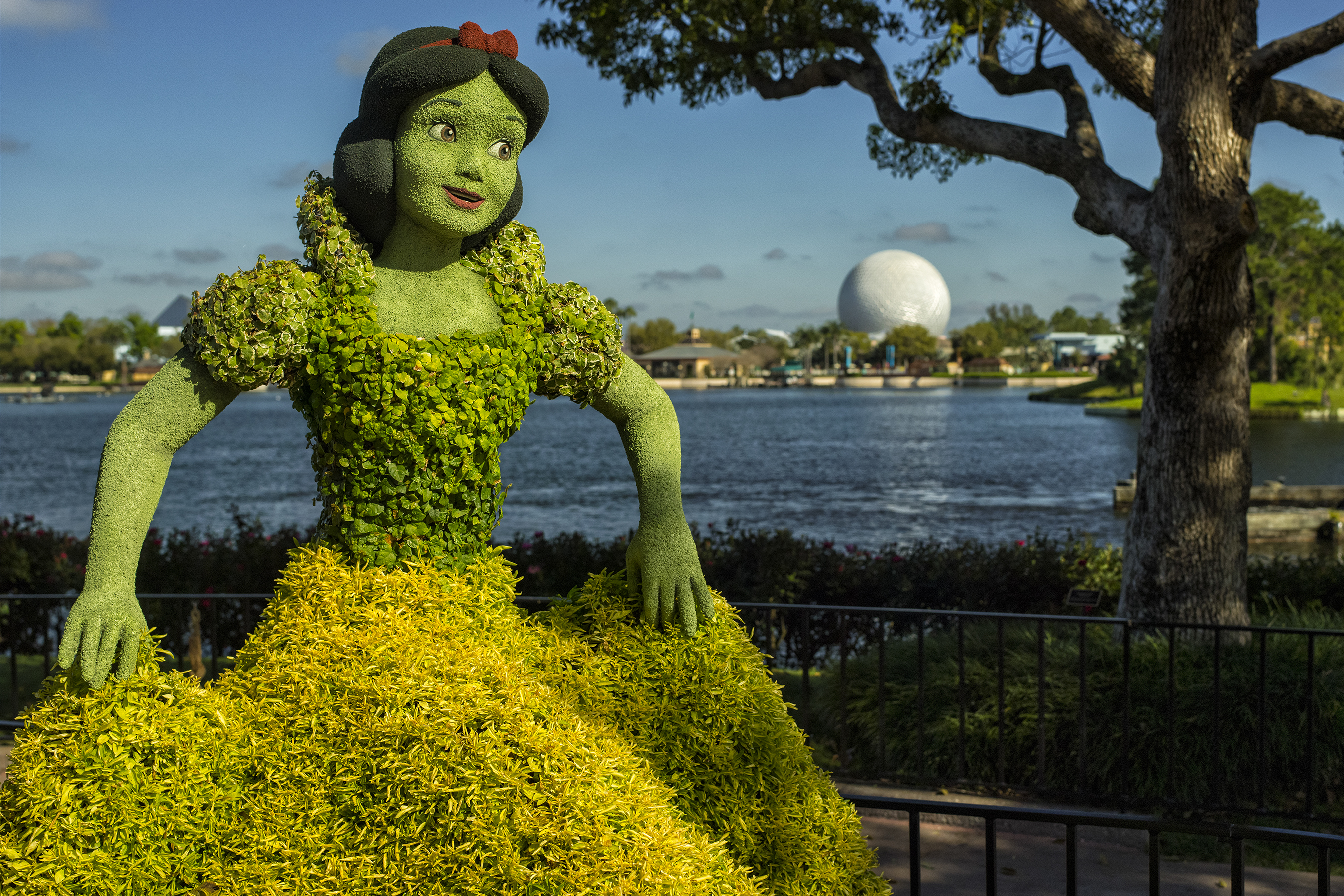 disney flower and garden. Blog Epcot Flower And Garden Disney H